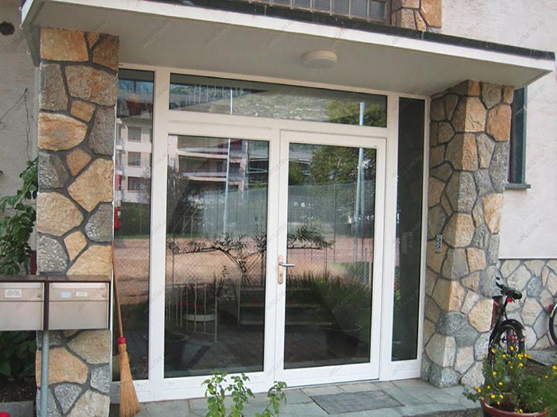 входная дверь в дом из стеклопакета цена